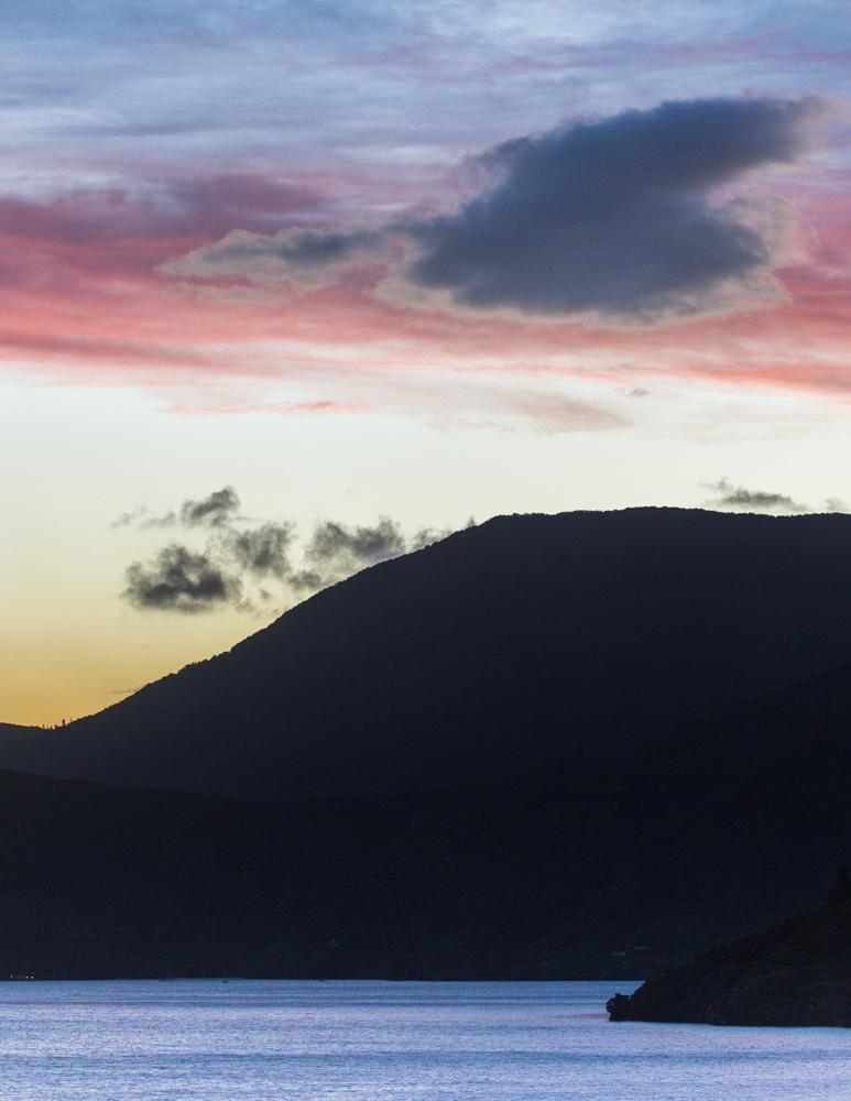 SUNSET AT MARLBOROUGH SOUNDS_Sarah Galvan Photographe