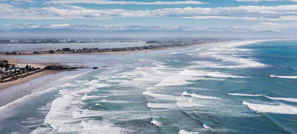 SURF IN NZ_Sarah Galvan Photographe